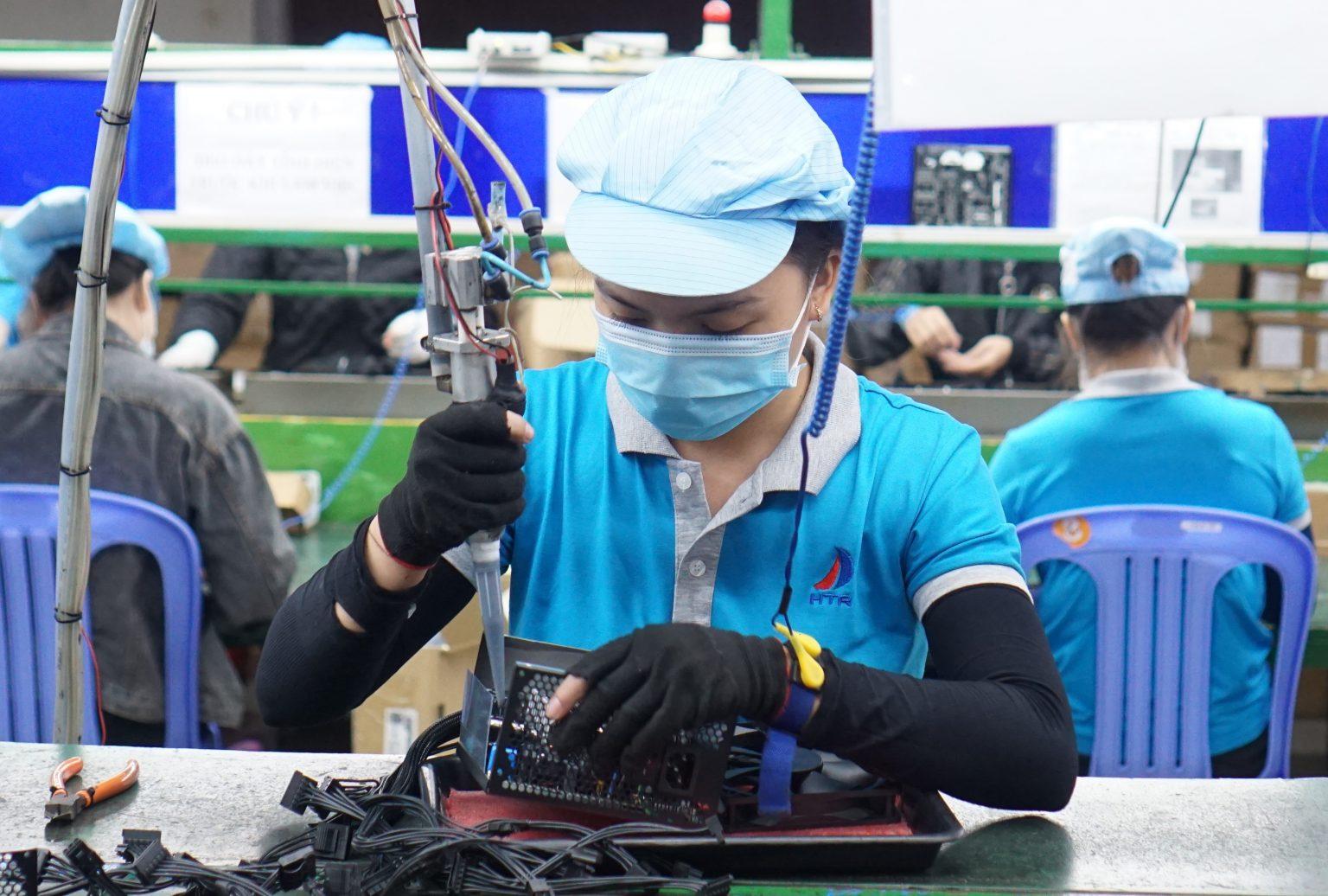 Tổ Hàn bù nhà máy sản xuất Huetronics
