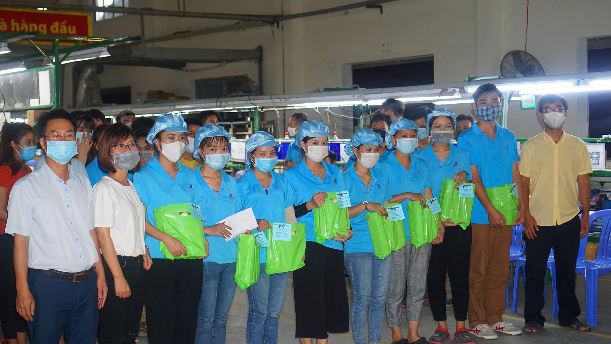 Huetronics vừa tổ chức sản xuất, vừa đảm bảo công tác phòng chống dịch Covid-19