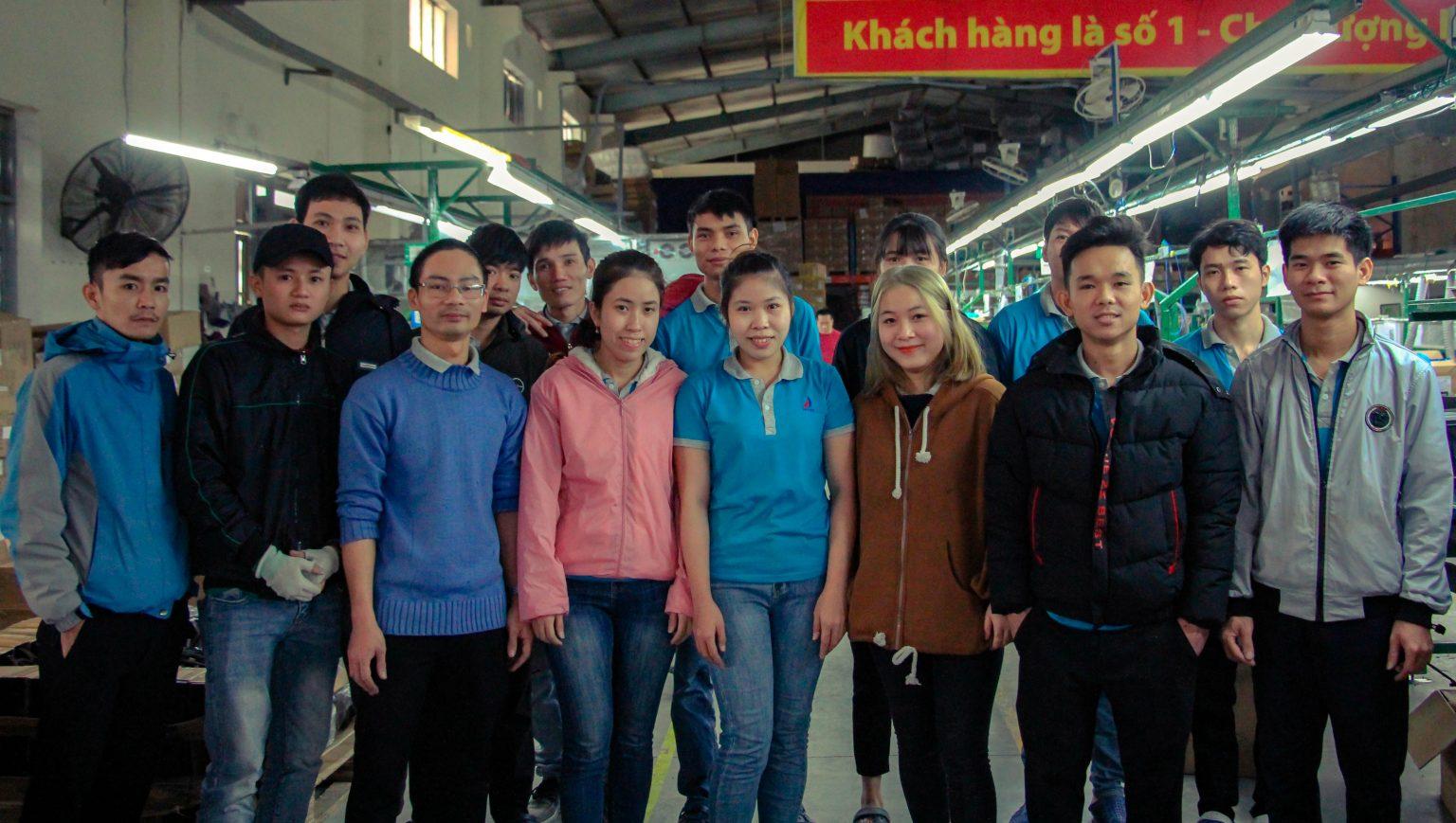 Tổ Bán thành phẩm nhà máy sản xuất Huetronics