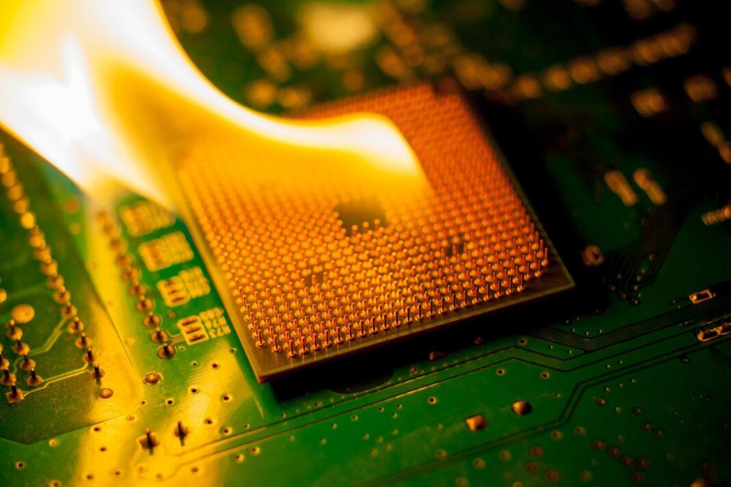 """CPU bị """"nóng"""" thì phải làm sao?"""
