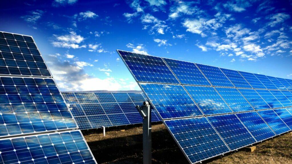 Chuyện gì sẽ xảy ra nếu chúng ta trải pin mặt trời lấp đầy sa mạc Sahara?